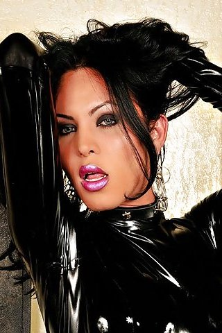 ashemaletube travestis latex