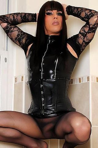 Zoe Shemale 46