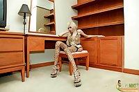 Long dick ladyboy in leopard lingerie