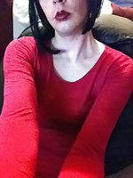 Katie Kross Sucks Dildo