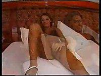 Leggy tranny anal insertions