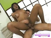 Ebony cutie drills guy and gets drilled too