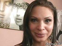 Sexy shemale brunette Ana Paula Samandat interracial anal
