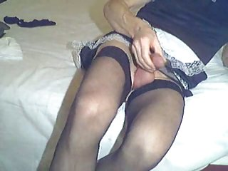 Maid who masturbates