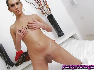 Scellen Croft Wank Off Her Lady Shaft