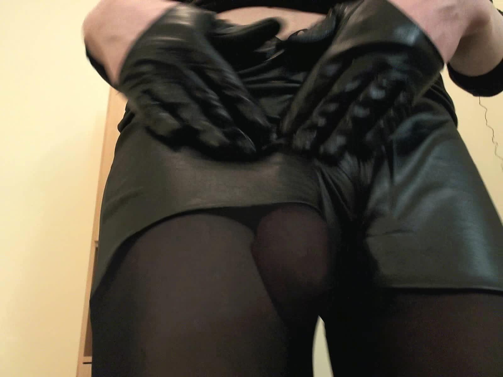 Brunette girl big ass